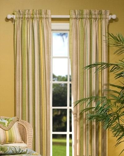 Добиваясь гармонии пространства необходимо учитывать и вид штор, для какой комнаты они предназначены