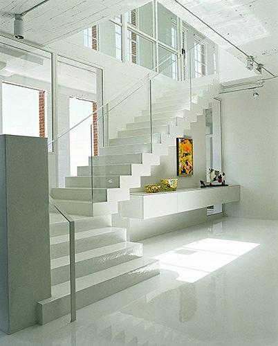 Выбор оптимальной лестницы, которая бы гармонично вписывалась в интерьер